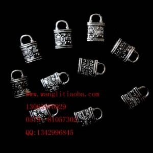 8000579--每包100个 藏银小饰品--小锁
