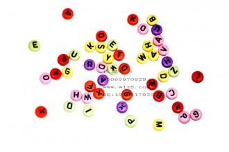 8000564--每包500个--8mm实彩圆形字母--混装